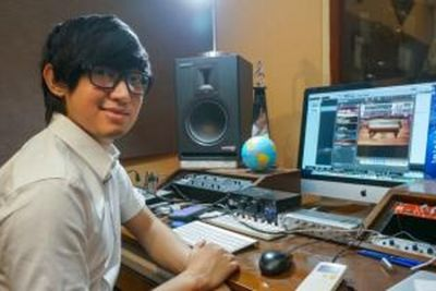 modern-creative-musician-from-indonesia